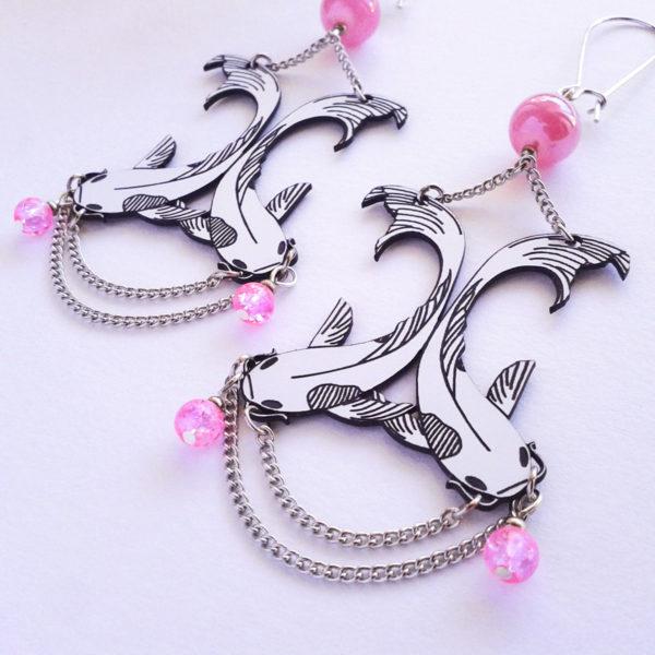 Grandes boucles d'oreilles poissons carpes koï couleur rose - légères - style art déco japonisant