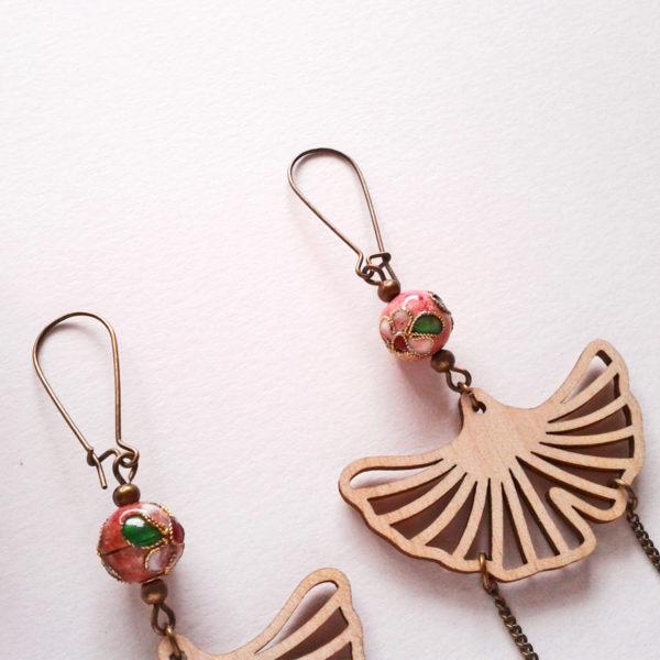 Boucles d'oreilles longues ginkgo - rétro bohème - inspiration geisha - rose tendre
