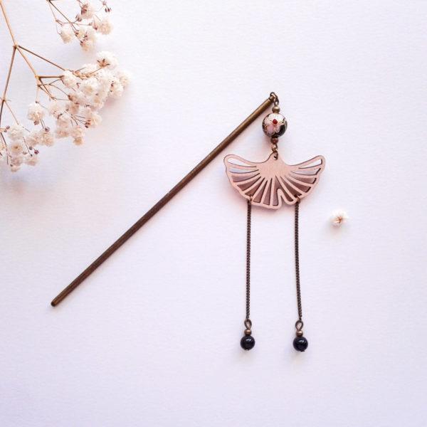 Pic à cheveux ou à chignon japonisant noir - feuille de ginkgo en bois d'érable