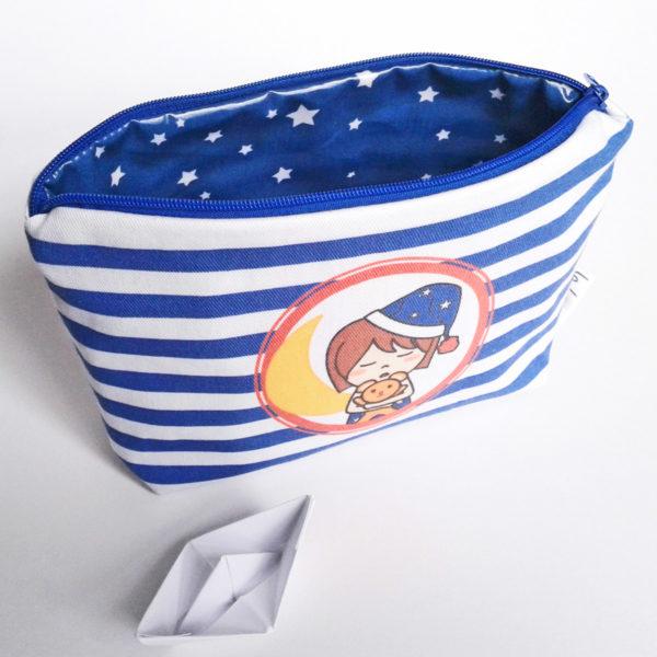 Trousse de toilette à fond plat Marine et son doudou - sergé de coton doublé de coton enduit.