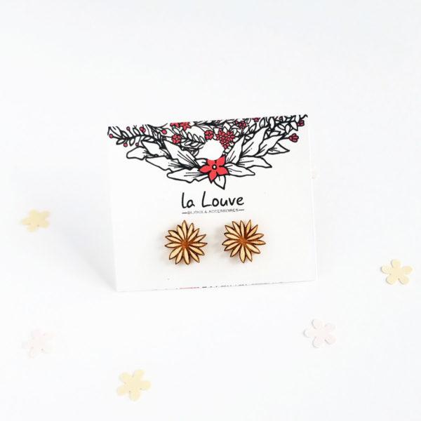 Puces d'oreilles fleur en bois
